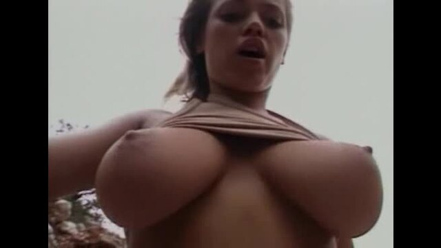 Lydia Pirelli Sex On The Rocks [368P]